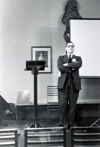 Dr. R.W. Nicholls