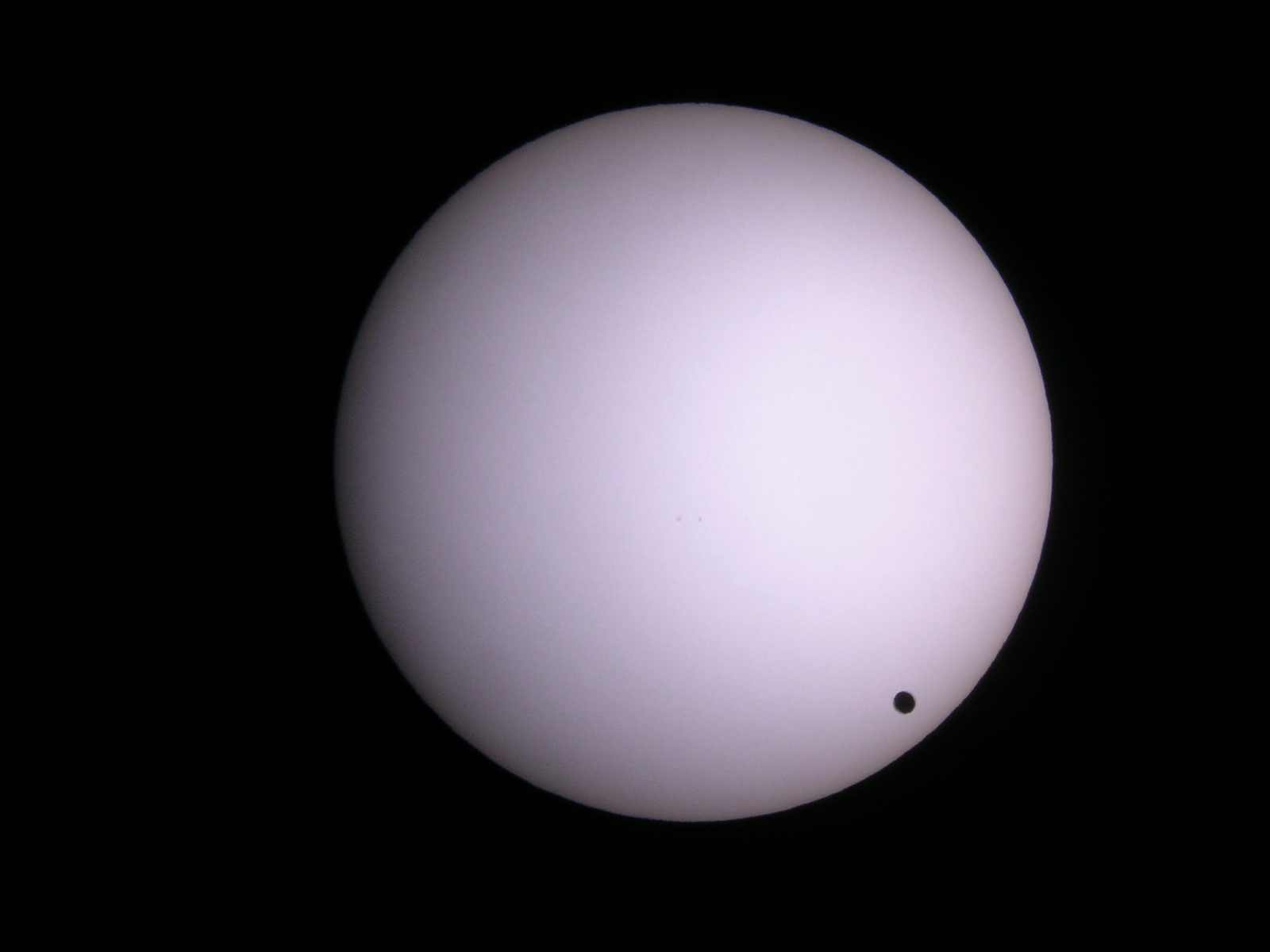Dave McCarter's 2004 image of Venus near the Solar limb